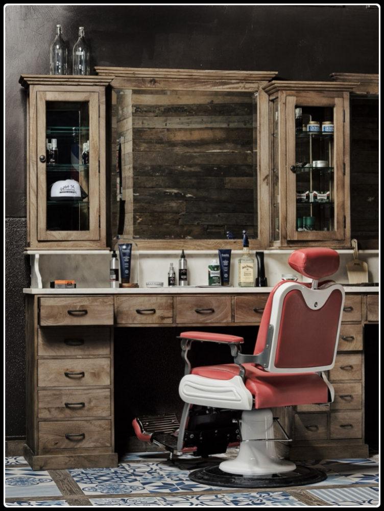 Kappers meubel | Vintage | Barbershop interieur | Barbier stoelen